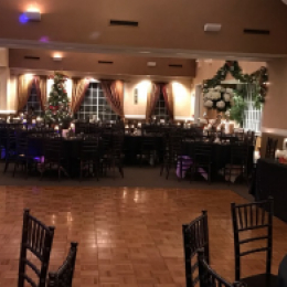 Holiday Setting in the Banquet room